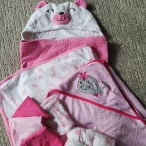 Other - Infant Girls Bath Set